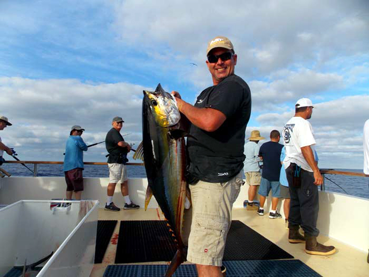 Point loma long range from the brdige 976 tuna the for Point loma fishing report